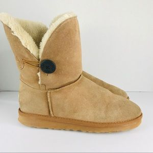 UGG Size 9 Tan Bailey Bottom Boots